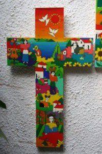 Cruz salvadoreña entregada al Papa por la federación Luterana-Obra de Chavarría