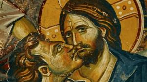 """Imagen: Judas besa a Jesús. Detalle de """"Judas 'Betrayal"""" Fresco, St.Clement Church , Ohrid, Macedonia."""